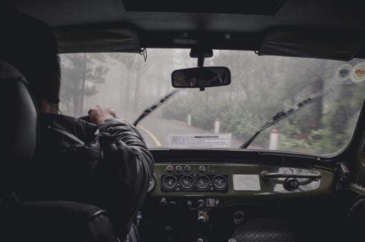 Trabajadores esenciales: transportistas operando durante la crisis COVID-19