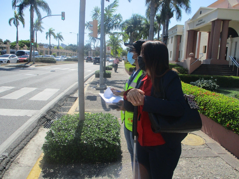 ¿Cómo mejorar la accesibilidad universal en el transporte público de Santo Domingo?